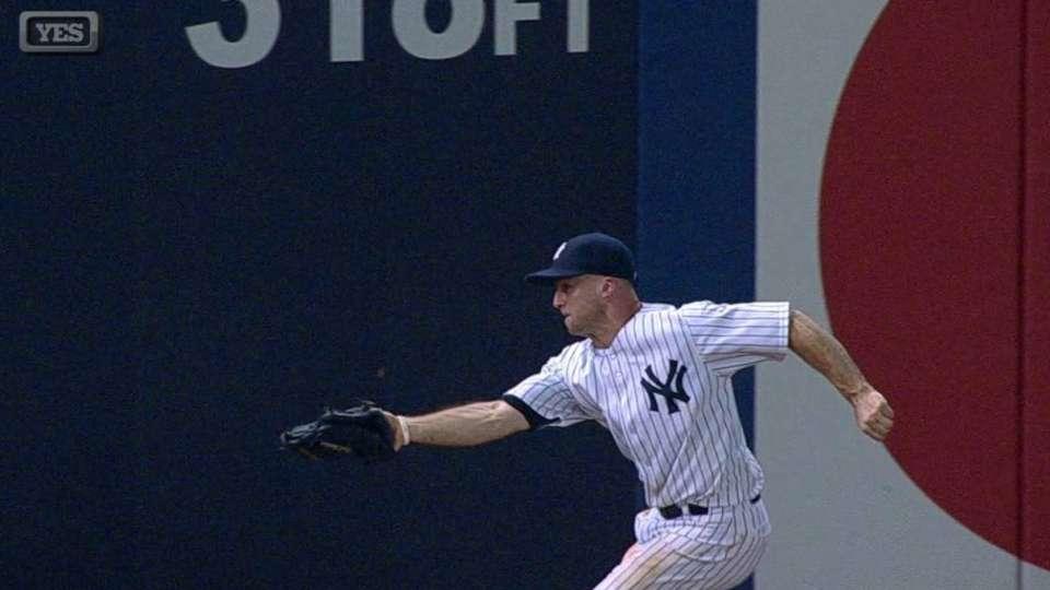 Gardner's terrific grab at wall