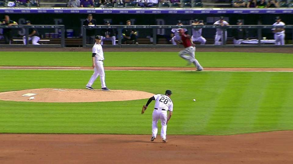 Arenado's great barehanded play