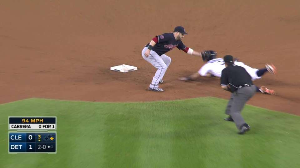 Perez throws out Kinsler