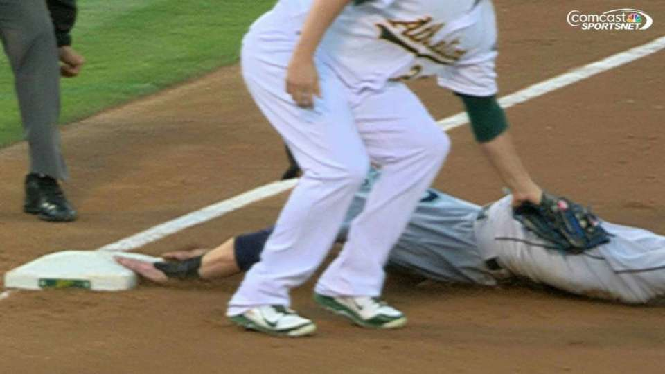 Vogt nabs O'Malley at third