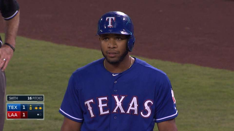 Andrus' 8th-inning single