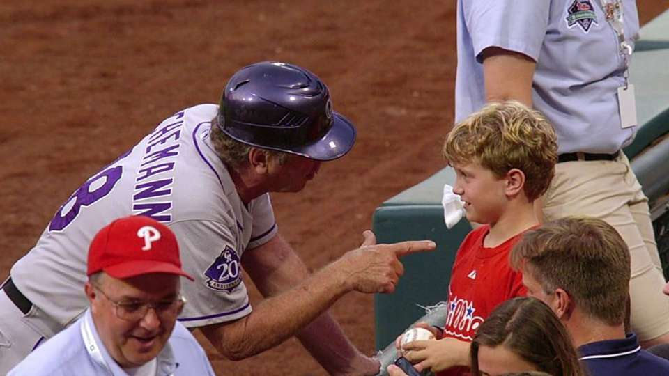 Lachemann chats with young fan
