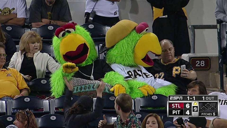 Pirate Parrot and mom greet fans