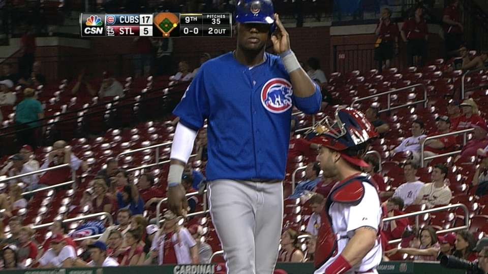 Cubs plate six in 9th