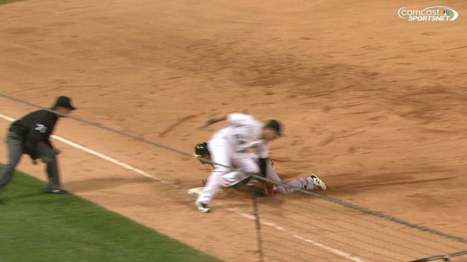 Fuld swipes third base