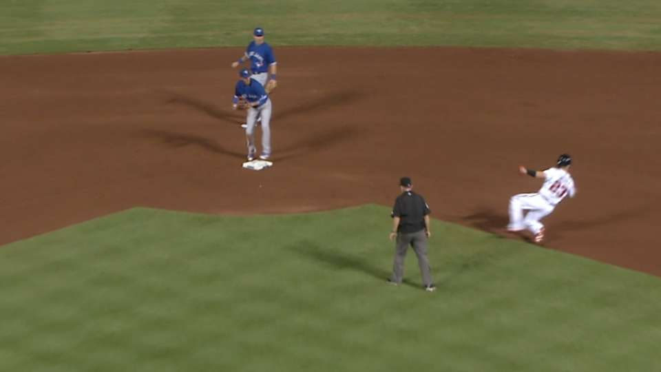 Blue Jays get outs in bunches