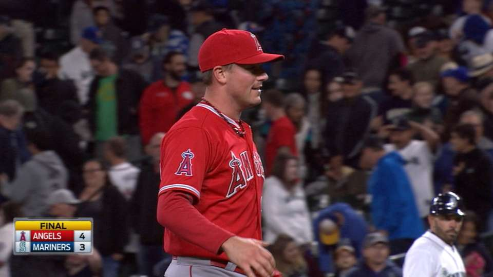 Smith earns the save