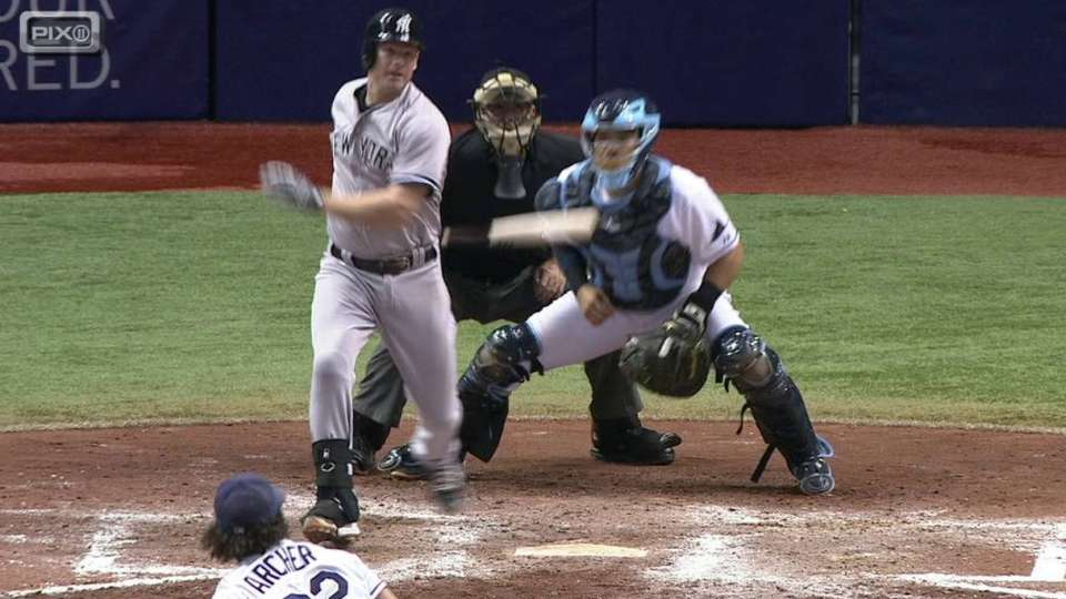Headley's two-out RBI single