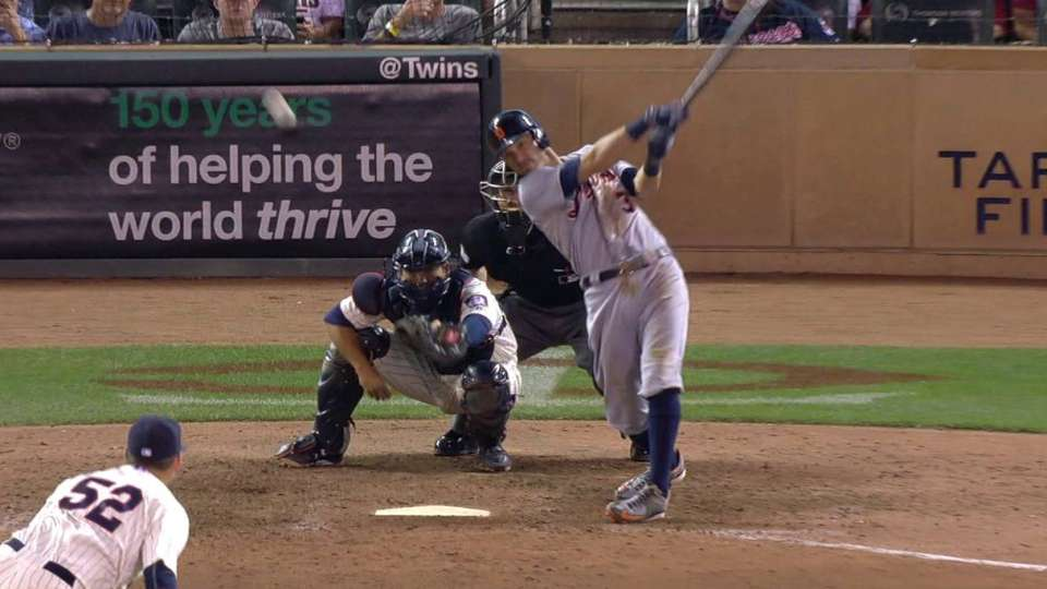 Kinsler's go-ahead RBI single