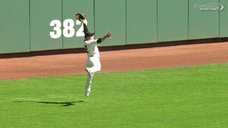 Perez's fine leaping catch