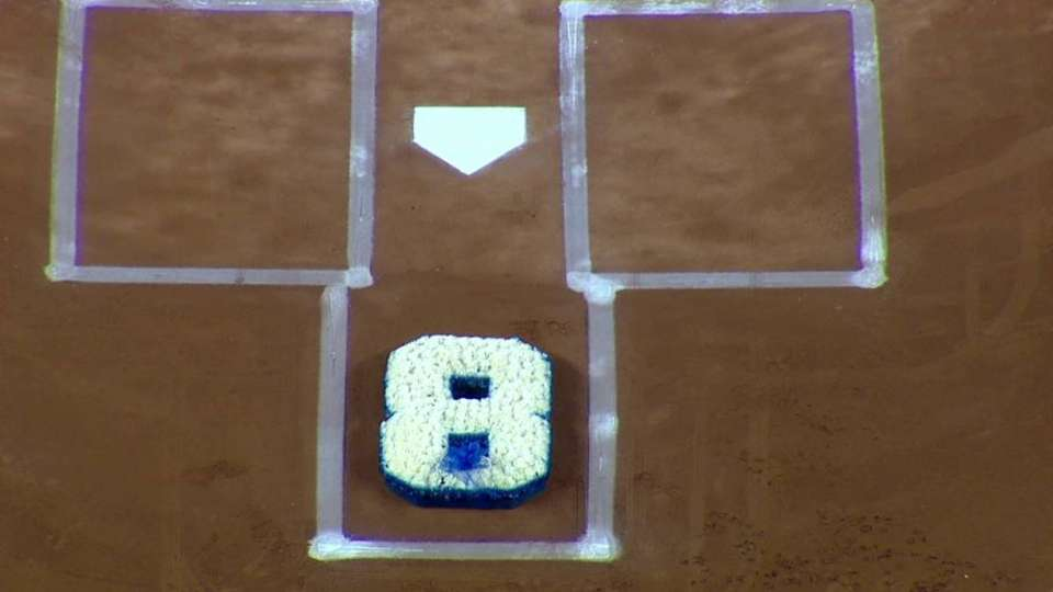 Yankee Stadium honors Yogi Berra