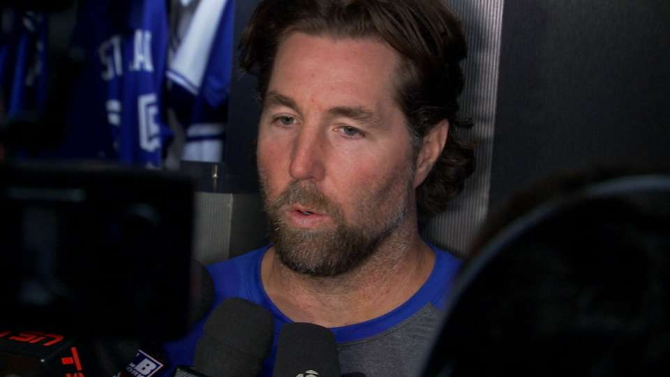 Dickey on short outing in loss