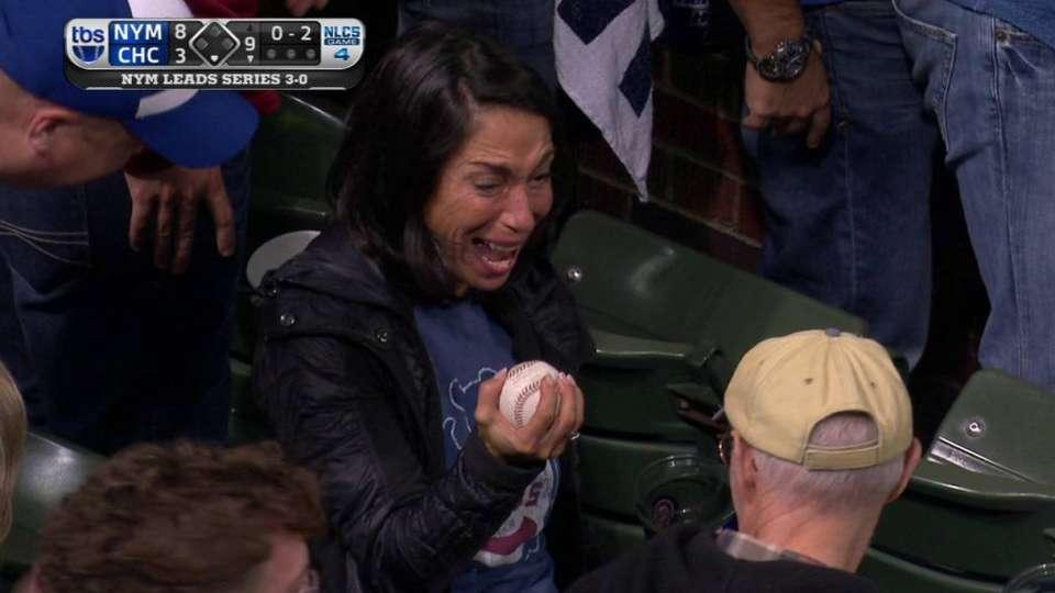 Cubs' fan makes great catch