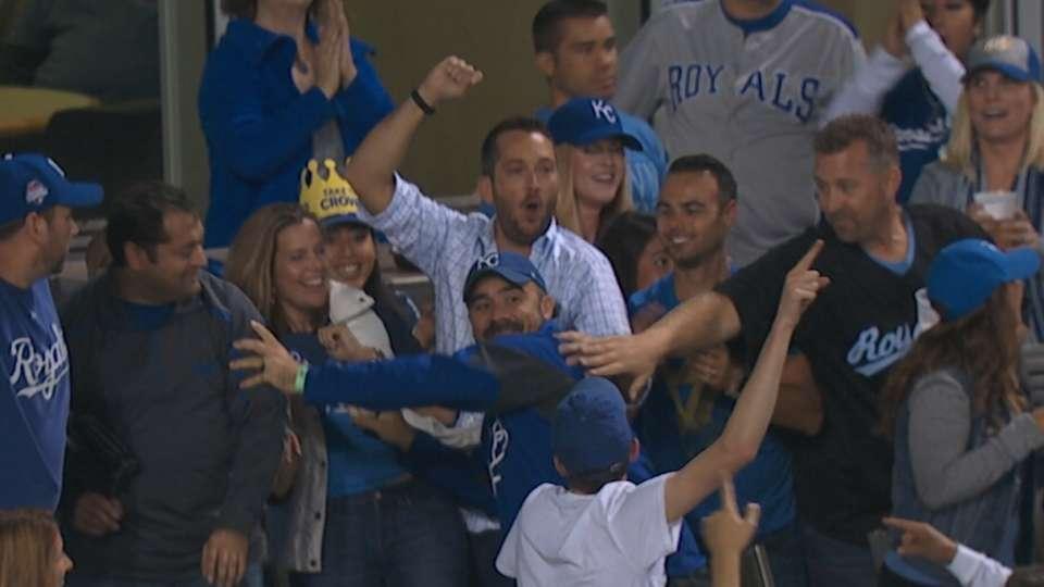 Fan catches Bautista's home run