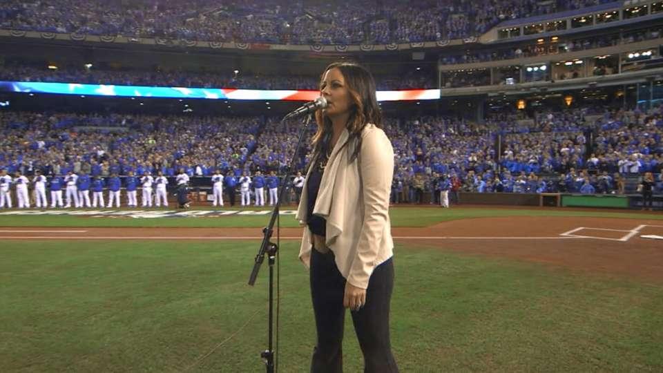 Sara Evans sings national anthem