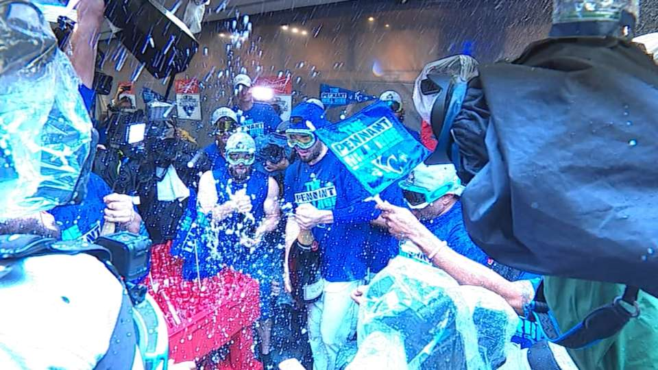 Royals head to World Series