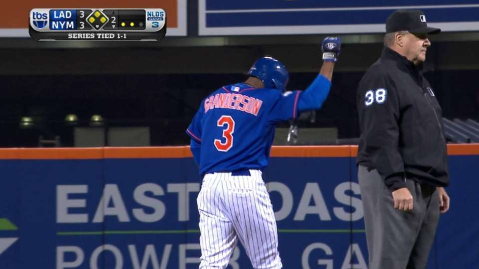 Granderson clears the bases