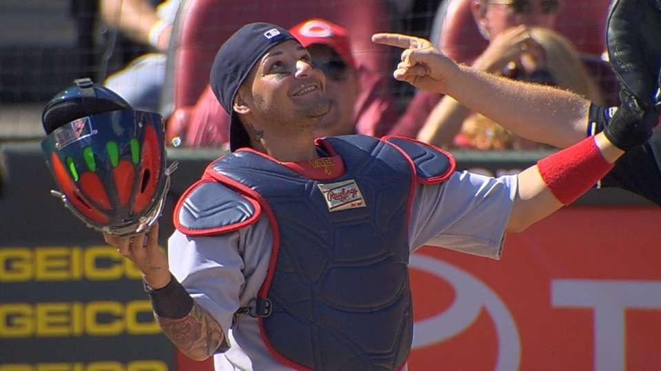 Molina wins eighth Gold Glove