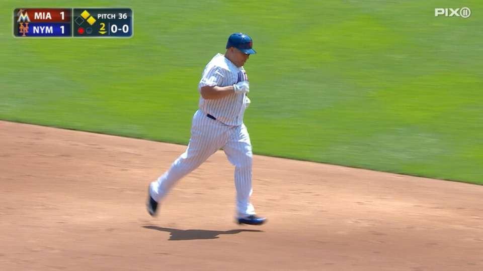 Mets win a pair of MLB Awards