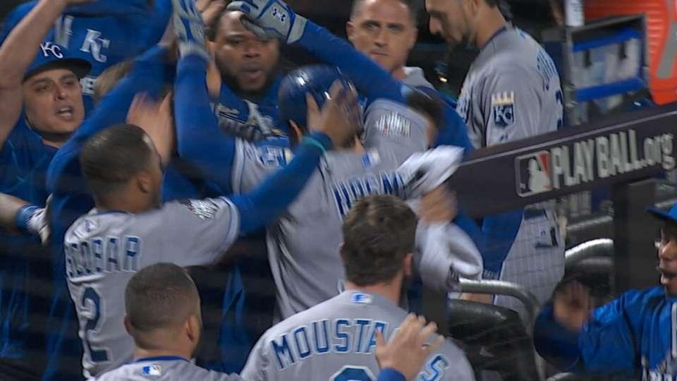 Royals win a pair of MLB Awards