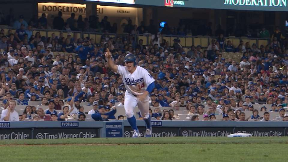 Dodgers win on Rangers' balk