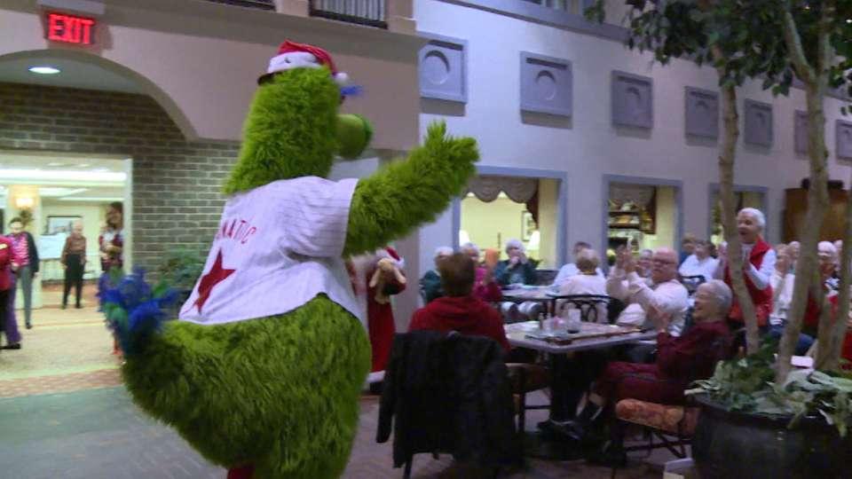 Phillies visit Senior Center