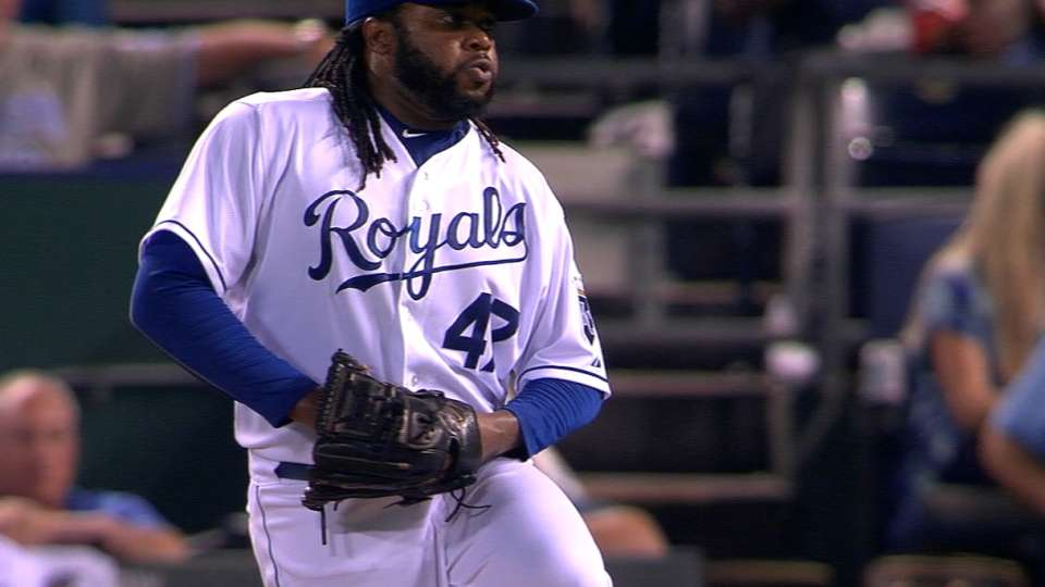 Cueto rocks, shimmies and fires