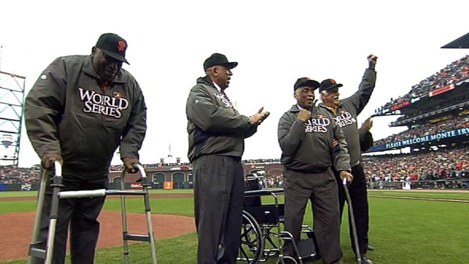 Giants greats' first pitch