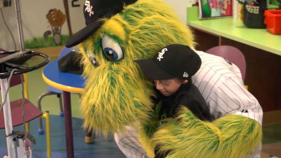 Sox visit Children's Hospital