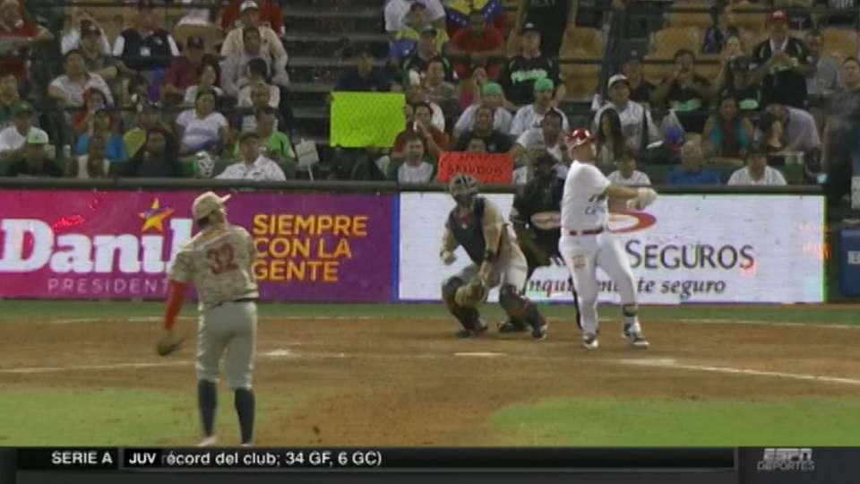 Vazquez's walk-off homer