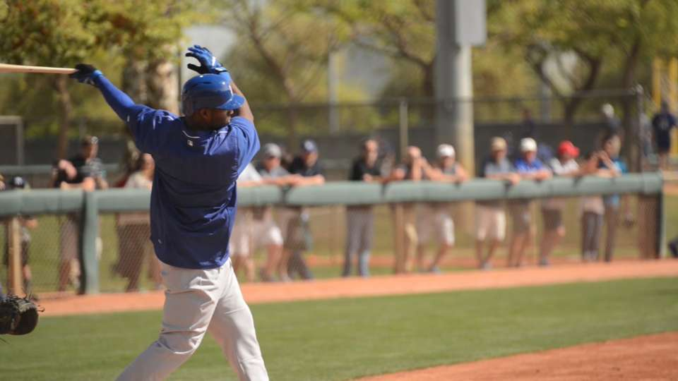 Roberts, Dodgers set for spring