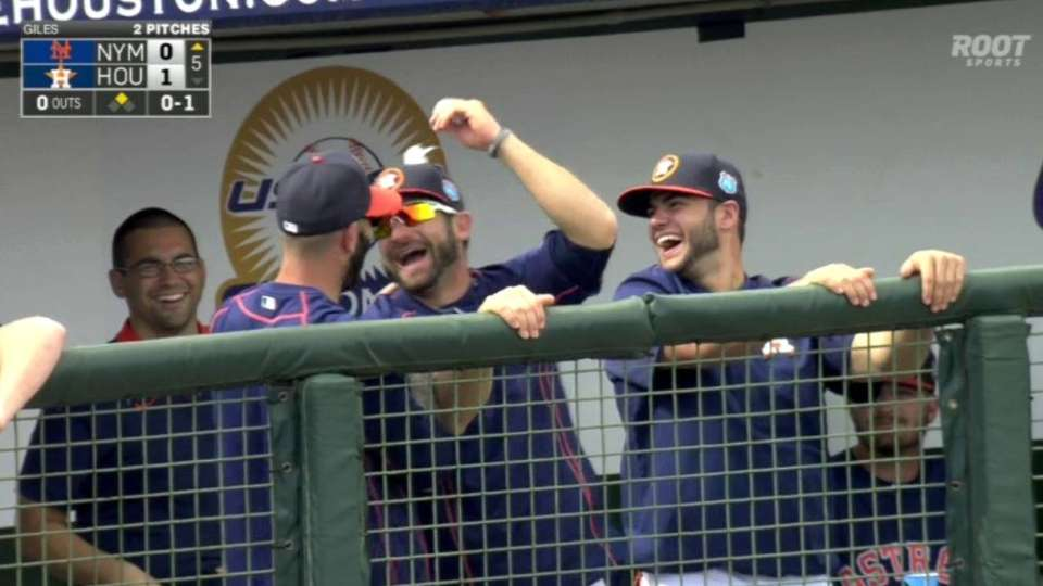 Astros have fun with bubble gum
