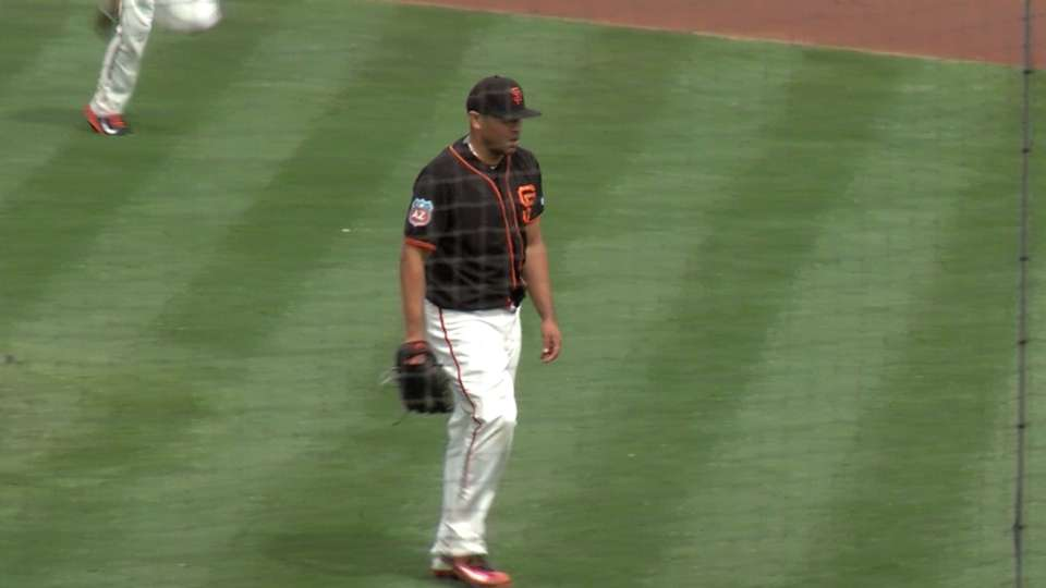Romero makes debut with Giants