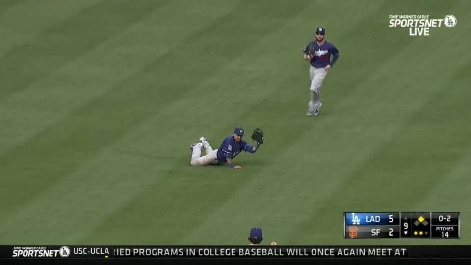 Bawcom's closes out Dodgers win