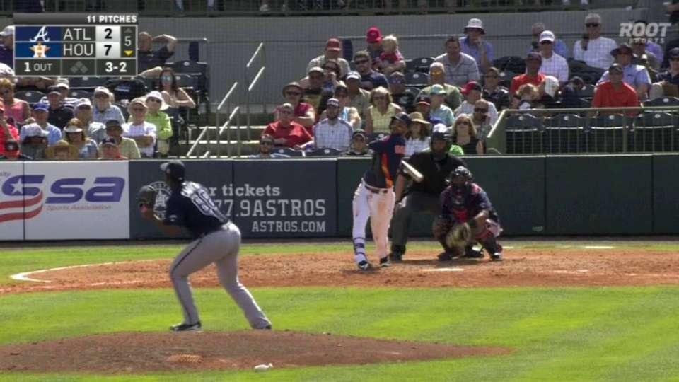 Gonzalez's solo homer