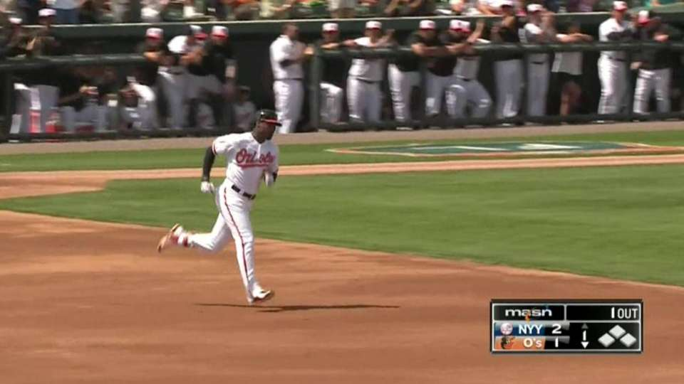 Jones' solo home run