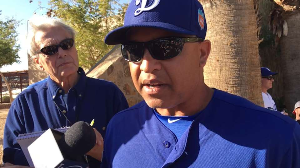 Roberts on Seager's knee sprain