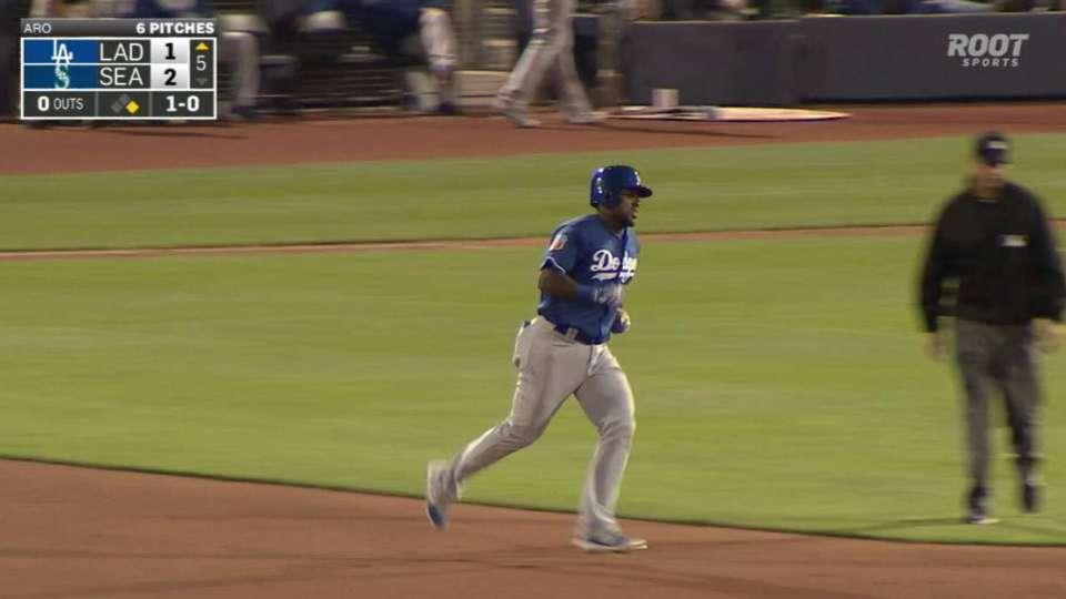 Herrera's two-run shot