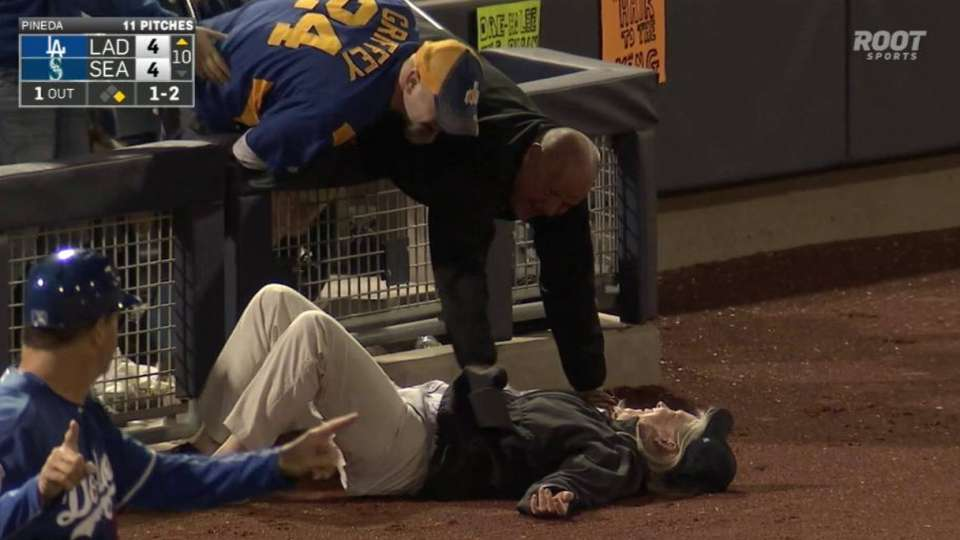 Fans fall for foul ball