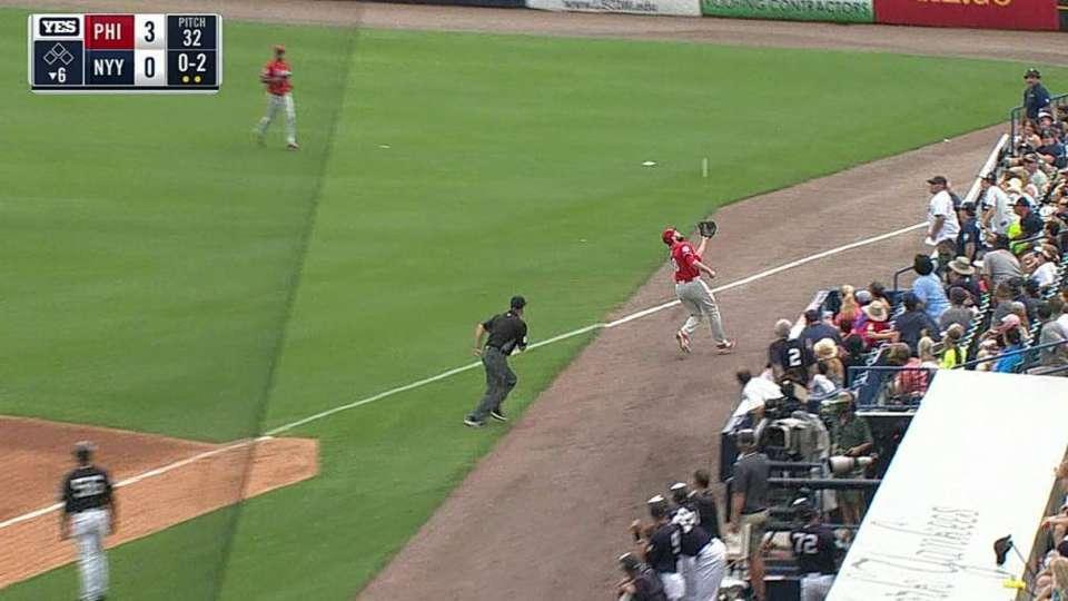 Ruf's catch in foul territory