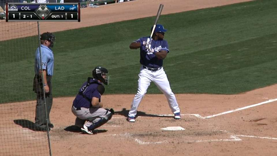 Puig homers to left