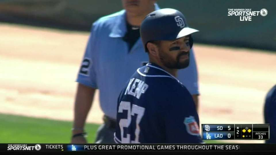 Kemp's RBI single extends inning