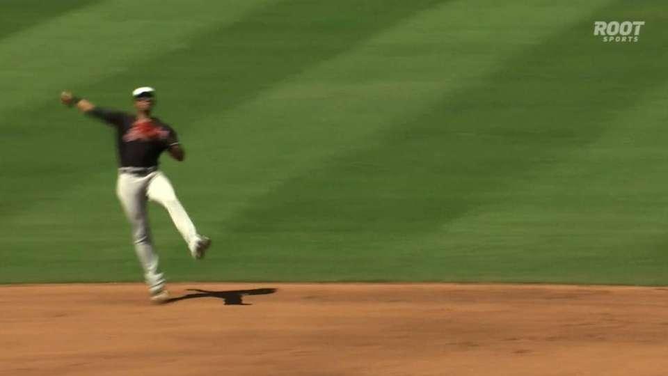 Gonzalez's great throw at short