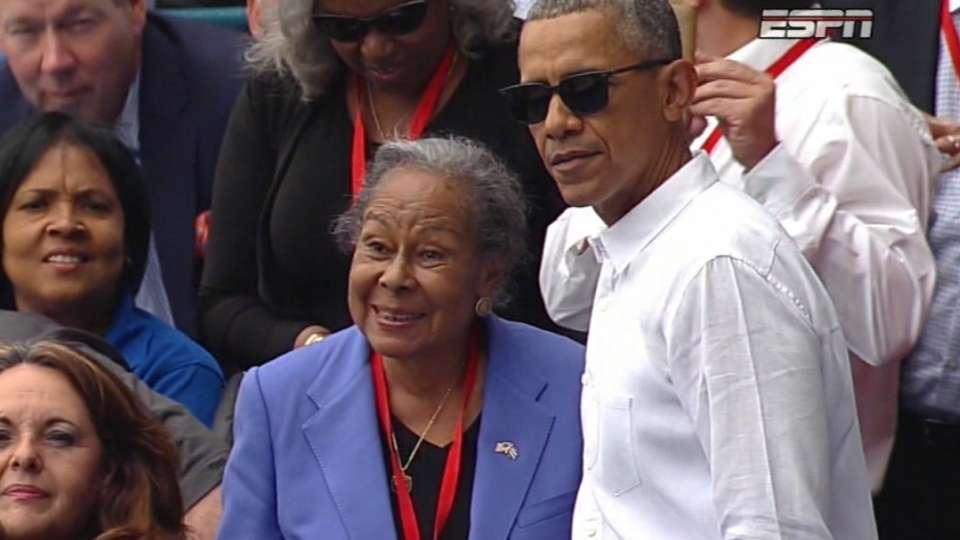 Obama and Robinson embrace