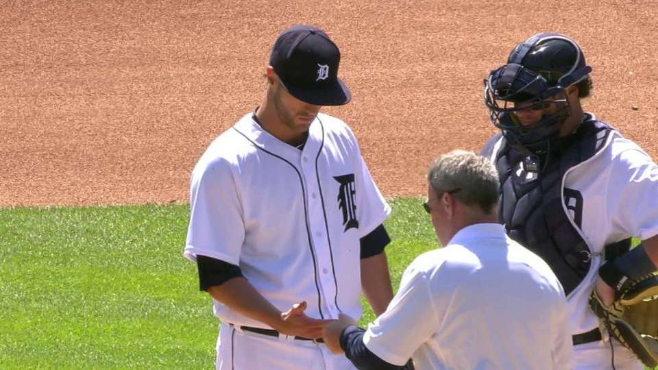 Greene leaves game with blister