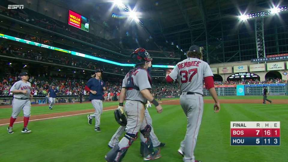 Hembree closes out win in 12th