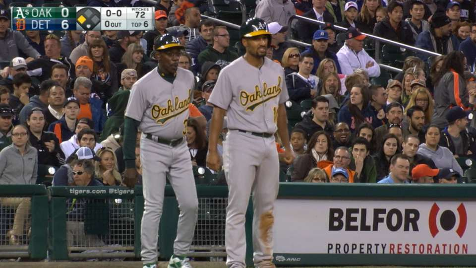 Semien gets to third base