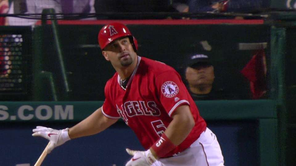 Pujols' second homer of the game