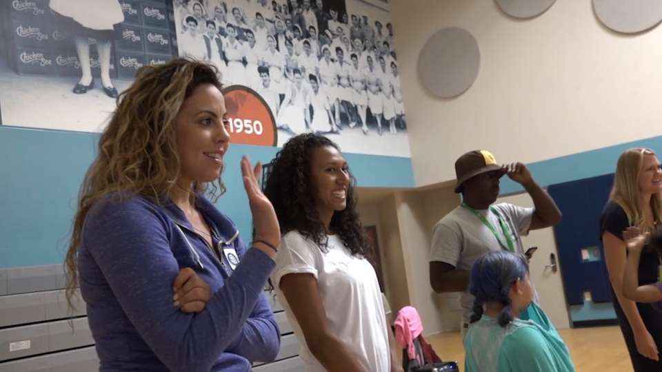 Padres wives give back