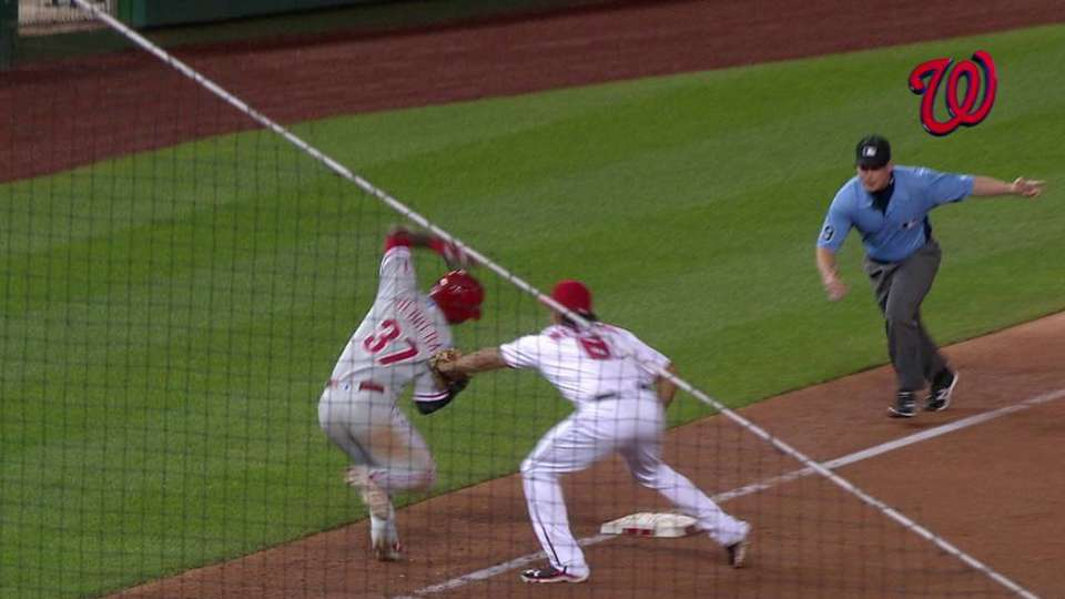 Rendon turns a double play